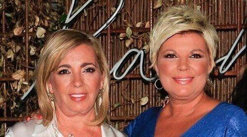 El posado veraniego de Terelu Campos y Carmen Borrego en bikini con entrevista de hermanas