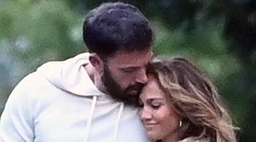 La primera foto oficial de Jennifer Lopez y Ben Affleck juntos en redes con la que confirman su romance
