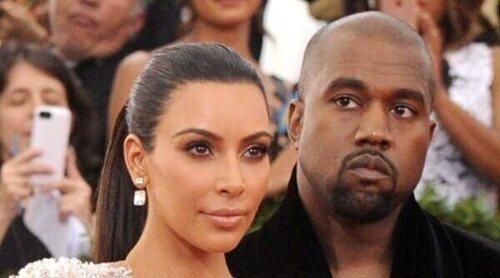 Kanye West se emociona delante de Kim Kardashian en la presentación de su disco: 'Estoy perdiendo a mi familia'