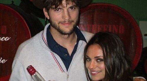 Ashton Kutcher y Mila Kunis se ríen de sí mismos después de la polémica sobre la ducha de sus hijos