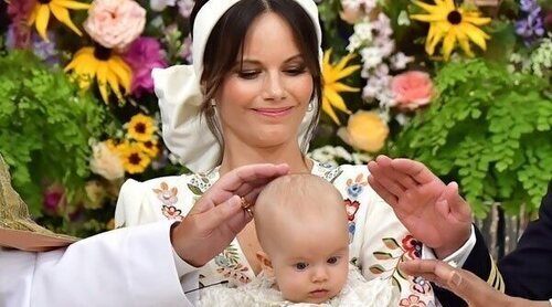 Así ha sido el bautizo de Julian de Suecia: tradiciones, pocos cambios, reunión familiar y todos los honores