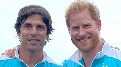 El Príncipe Harry reaparece en un torneo de polo en plena baja por paternidad