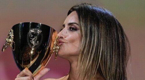 Penélope Cruz, primera española en conseguir la Copa Volpi en el Festival de Venecia por 'Madres paralelas'