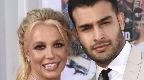 Britney Spears, muy emocionada, anuncia su compromiso con Sam Asghari