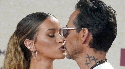 Marc Anthony presenta a su novia en los Premios Billboard Latin Music 2021