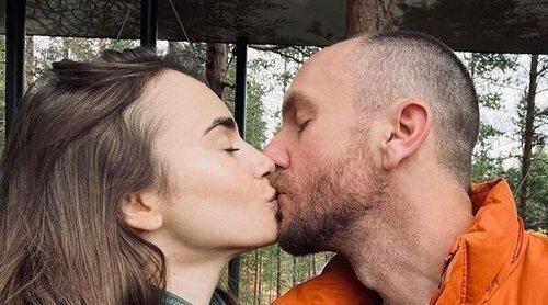 Lily Collins comparte algunos románticos momentos de su luna de miel con Charlie McDowell