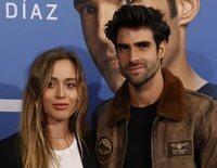 El primer posado de pareja de Juan Betancourt y Paula Badosa