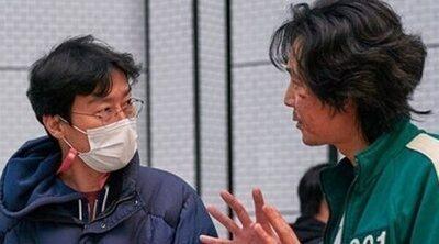 El creador de 'El juego del calamar', Hwang Dong-hyuk, cuenta cómo ha cambiado su vida: 'No soy tan millonario'