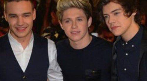 Los One Direction ensayaron en el backstage de 'The X Factor' con un look muy rockero