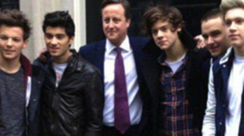 David Cameron colabora con One Direction en un vídeo benéfico