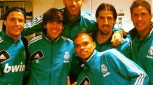 Sergio Ramos, Cristiano Ronaldo, Kaká y Pepe celebran la victoria del Real Madrid frente al Barça