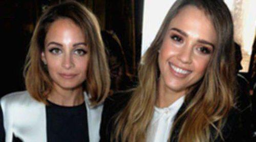 Jessica Alba, Nicole Richie y Natalia Vodianova arropan a Stella Mccartney en la Semana de la Moda de París