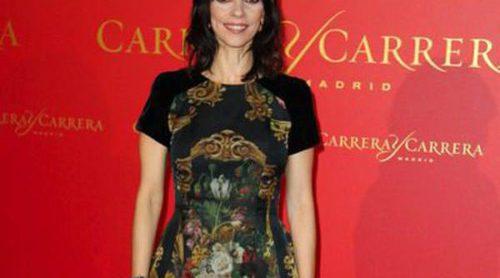 Maribel Verdú recoge el premio 'Maja de los Goya 2013' por su elegancia en la noche del cine español