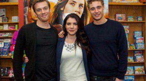 Max Irons, Jake Abel y Stephenie Meyer atienden a los fans de 'The Host' ('La huésped') en Chicago