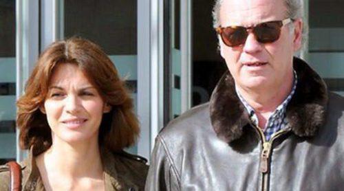 Bertín Osborne y Fabiola Martínez apoyan al doctor Douglas Doman en una conferencia en Málaga