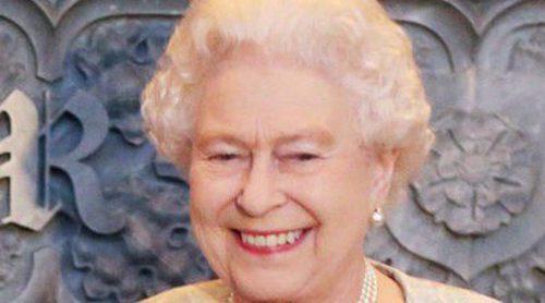 La Reina Isabel II recibe un BAFTA honorífico por su apoyo al cine y la televisión británicos