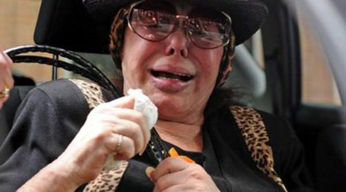 Marujita Díaz, rota de dolor y totalmente desconsolada por la muerte de Sara Montiel