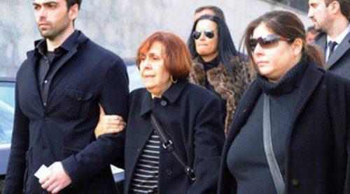 Giancarlo Viola, Zeus Tous y el pueblo de Madrid acuden al multitudinario funeral de Sara Montiel