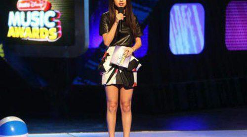 Selena Gomez presenta los Radio Disney Music Awards 2013 y se lleva el premio a Mejor Artista Femenina
