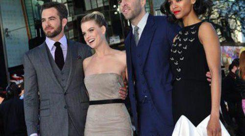 Chris Pine, Zoe Saldaña y Zachary Quinto asisten al estreno en Londres de 'Star Trek: En la oscuridad'