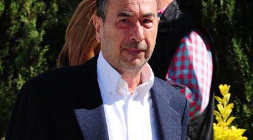 José Luis Garci y Enrique Cerezo acuden al íntimo funeral de Alfredo Landa