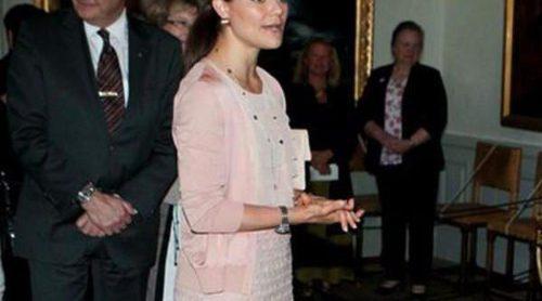 Victoria de Suecia inaugura una exposición sobre el bautizo de la Princesa Estela en Strömsholm
