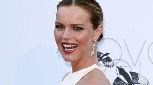 Eva Herzigová luce figura en la gala amfAR de Cannes 2013 un mes después de ser madre por tercera vez