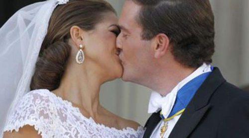 La princesa Magdalena de Suecia y Chris O'Neill posan junto a sus familiares en las tradicionales fotos oficales
