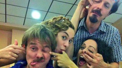 Eloy Azorín, Marta Hazas, Fele Martínez y Luz Valdenebro se divierten en el último día de grabación de 'Gran Hotel'