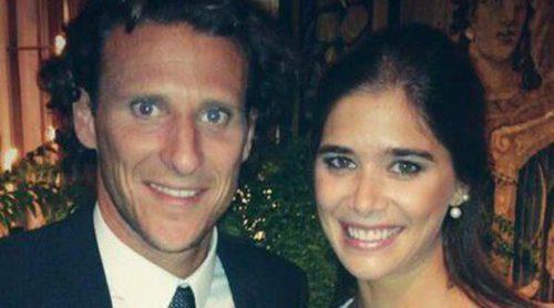Diego Forlán y Paz Cardoso se casan en una ceremonia civil celebrada en casa de la novia