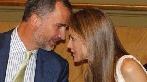 Los Príncipes Felipe y Letizia recuerdan a Concha García Campoy en la entrega del Premio Luis Carandell a María Rey