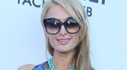 Paris Hilton, Stacy Keibler y Chord Overstreet acuden a la fiesta de inauguración de un local en Malibú