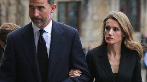 El Príncipe Felipe y la Princesa Letizia asisten al funeral por las víctimas del accidente de tren de Santiago de Compostela