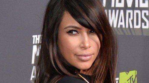 Kim Kardashian graba a un paparazzi colándose en la casa que comparte con Kris Jenner
