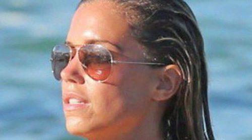 Sylvie van der Vaart presume de cuerpo durante sus vacaciones en las playas de Saint Tropez