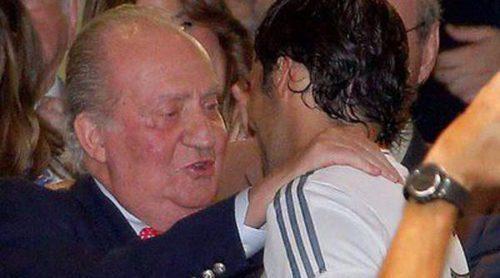 El Rey Juan Carlos, testigo de la vuelta de Raúl González al Santiago Bernabéu