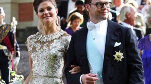 La Familia Real Sueca salvo la Princesa Magdalena y Chris O'Neill se reúne en la boda de Gustaf Magnuson y Vicky Andren