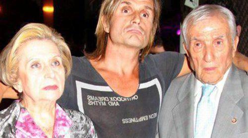 Nacho Cano se queda en la calle tras ser vetado en el estreno del musical 'Hoy no me puedo levantar'