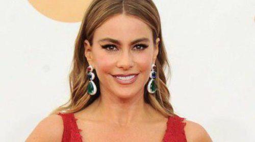 Sofía Vergara, Kaley Cuoco, Sarah Hyland o January Jones desfilan por la alfombra roja de los Emmy 2013
