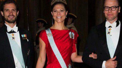 La Familia Real Sueca salvo la Princesa Magdalena y Chris O'Neill ofrecen una cena de gala al presidente de Portugal