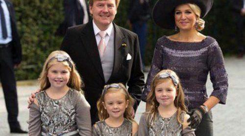 La Familia Real Holandesa al completo se reúne en la boda de Jaime de Borbón-Parma y Viktória Cservenyák