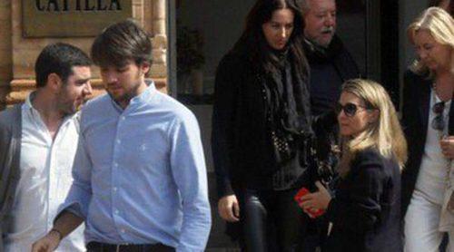La familia de María de Villota se despide de la piloto en un íntimo acto en Sevilla