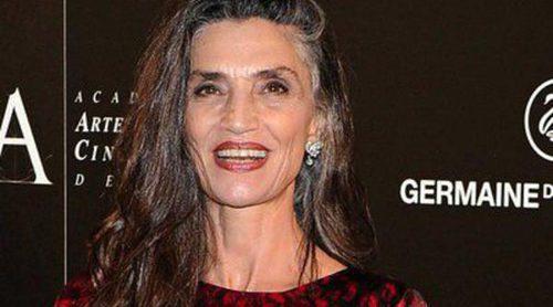 Ángela Molina recibe la Medalla de Oro de la Academia de Cine arropada por su hija Olivia Molina