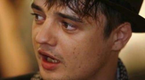 Pete Doherty escapa a París porque en ocasiones ve el fantasma de Amy Winehouse