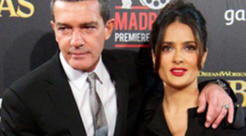 Adriana Torrebejano y Norma Ruiz apoyan a Salma Hayek y Antonio Banderas en el estreno de 'El gato con botas'