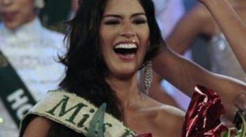La ecuatoriana Olga Alva se alza con el título de Miss Tierra 2011