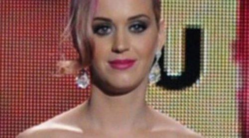 Katy Perry está preocupada por Rihanna y le ha pedido