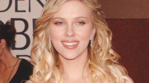 Scarlett Johansson y Salma Hayek lucen el Mejor escote de 2011
