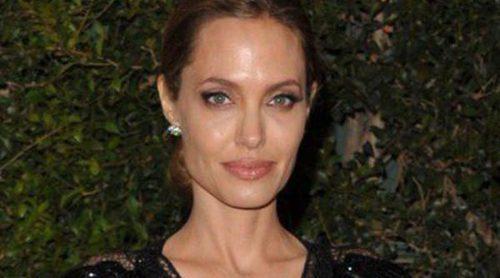 Colin Farrell, Amy Adams y Matthew McConaughey arropan a Angelina Jolie en la gala de entrega de su Oscar Honorífico
