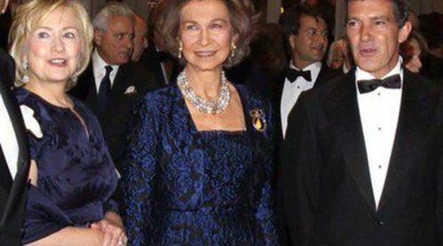 La Reina Sofía entrega las Medallas de Oro del Queen Sofía Spanish Institute a Antonio Banderas y Hillary Clinton